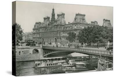 Le Pont D'Arcole Et L'Hotel De Ville, Arcole Bridge and Town-Hall--Stretched Canvas Print