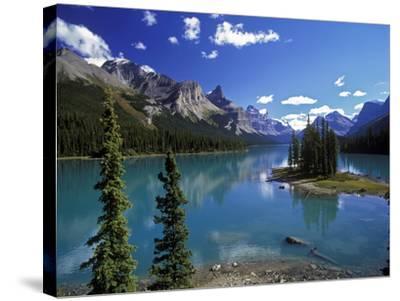 Maligne Lake, Jasper Nationalpark, Canada-Hans Peter Merten-Stretched Canvas Print