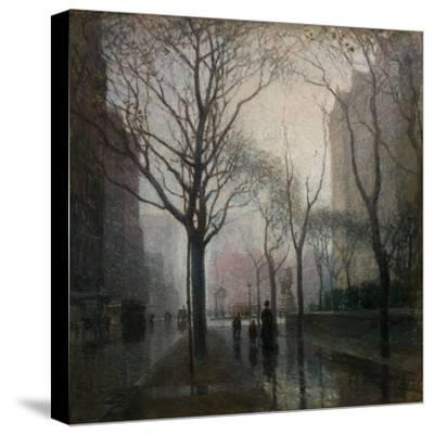 The Plaza after the Rain, 1908-Paul Cornoyer-Stretched Canvas Print