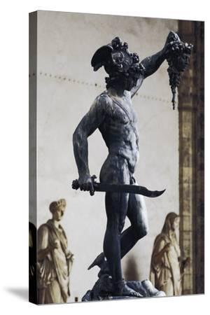 Perseus with the Head of Medusa--Stretched Canvas Print