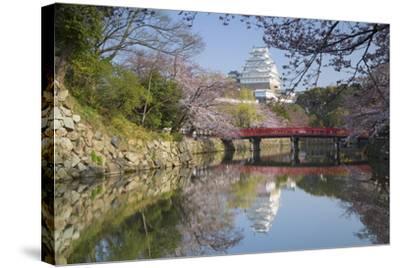 Himeji Castle, Himeji, Kansai, Honshu, Japan-Ian Trower-Stretched Canvas Print