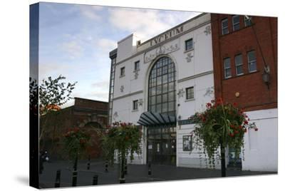 Lyceum Theatre, Crewe, Cheshire, 2005-Peter Thompson-Stretched Canvas Print