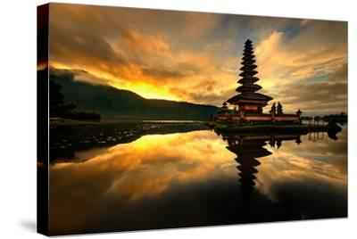 Pura Ulun Danu Bratan Water Temple-toonman-Stretched Canvas Print