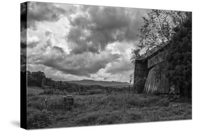 Mayberry Barn 2 BW-Bob Rouse-Stretched Canvas Print