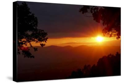 Sunset over the Blue Ridge Mountains-Amy, Al White, Petteway-Stretched Canvas Print
