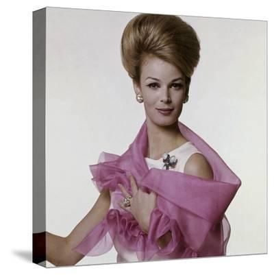 Vogue - July 1962 - Woman with Bouffant Hairdo-Bert Stern-Stretched Canvas Print