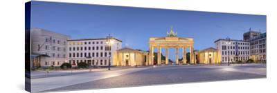 Germany, Deutschland. Berlin. Berlin Mitte. Brandenburg Gate, Brandenburger Tor-Francesco Iacobelli-Stretched Canvas Print