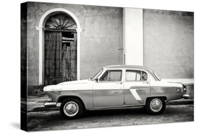 Cuba Fuerte Collection B&W - Old Classic Car in Santa Clara-Philippe Hugonnard-Stretched Canvas Print