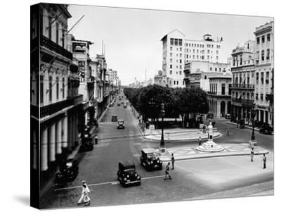 1930s-1940s Street Scene of the Prado Havana Cuba--Stretched Canvas Print
