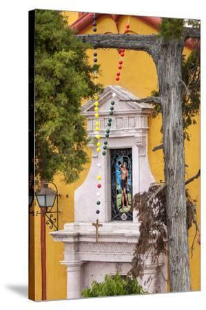 Mexico, Bernal, View of Church of St. Sebastian-Hollice Looney-Stretched Canvas Print