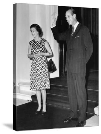 Queen Elizabeth II and Prince Philip hosting a state visit-Associated Newspapers-Stretched Canvas Print