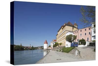 Inn (river) with Schaiblingsturm, Old Town, Passau, Lower Bavaria, Bavaria, Germany, Europe,-Torsten Krüger-Stretched Canvas Print