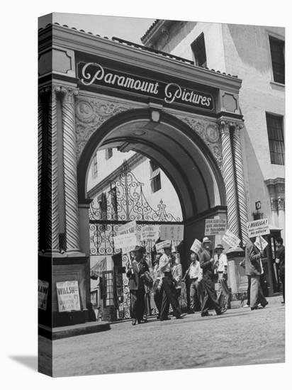 View of Picket Lines in Front of Paramount Studios During a Set Directors Strike-Martha Holmes-Stretched Canvas Print