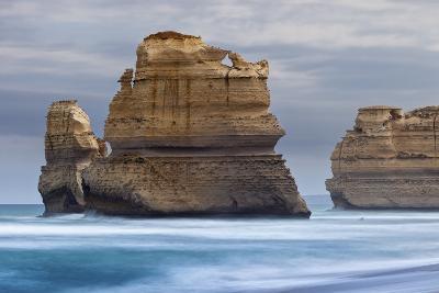12 Apostles National Marine Park, Gibsons Beach, Port Campbell National Park, Princetown, Victoria-Cahir Davitt-Photographic Print