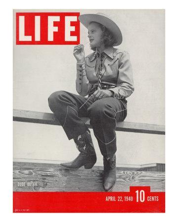 https://imgc.artprintimages.com/img/print/14-yr-old-cowgirl-jimmy-rogers-showing-off-latest-western-clothing-trend-april-22-1940_u-l-p699l00.jpg?p=0