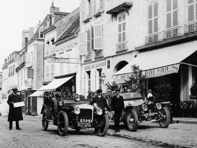 1909 Daimler and 1908 Rolls-Royce Silver Rogue, France, October 1908