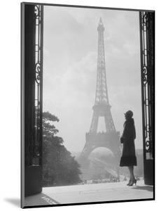 1920s Anonymous Silhouetted Woman Standing in Profile in the Trocadero across the Seine