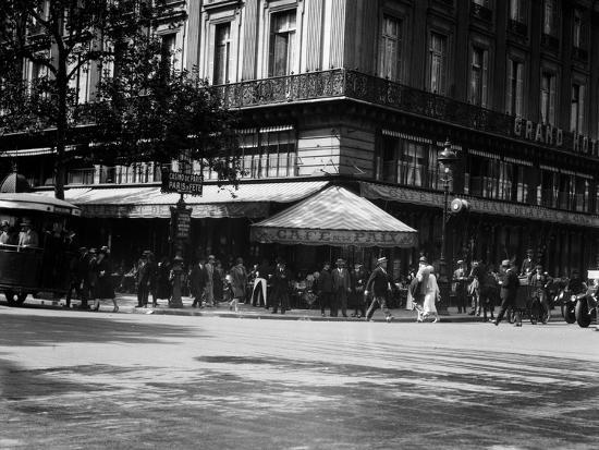 1920s Cafe De La Paix in the Grand Hotel Paris, France--Photographic Print