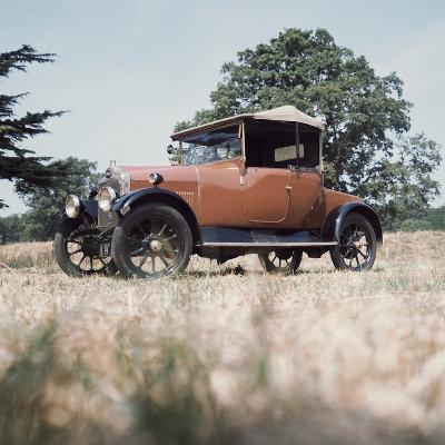 1923 Calcott 11.9Hp Car--Photographic Print