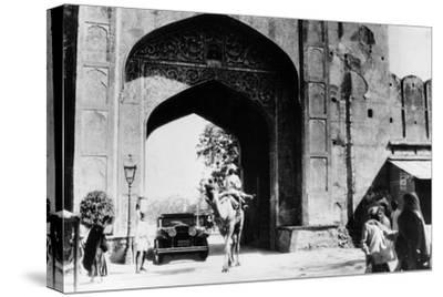1930 Cadillac Saloon Beneath the Amber Gate, Jaipur, India, (C193)