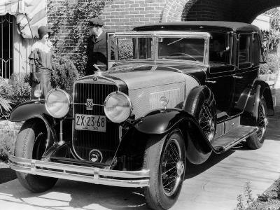 1930 Cadillac V8 Formal Town Car, (C193)--Photographic Print