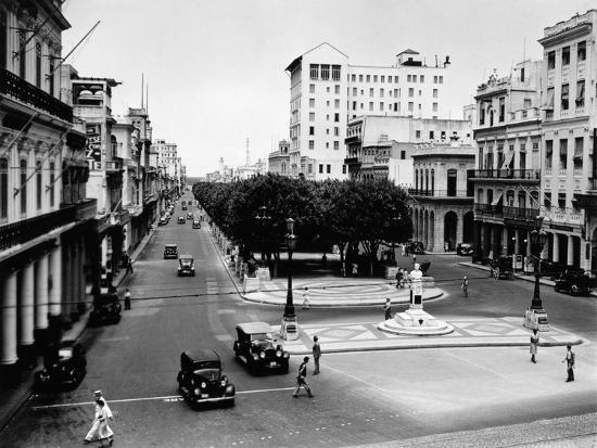 1930s-1940s Street Scene of the Prado Havana Cuba--Photographic Print