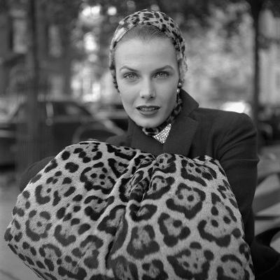 1949: Woman in Fur Fashion in New York City-Gordon Parks-Photographic Print