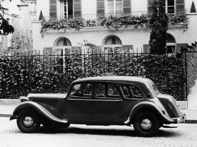 1954 Citroën 15CV Familiale Parked Outside a House--Photographic Print