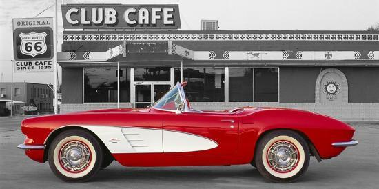 1961-chevrolet-corvette-at-club-cafe-on-route-66