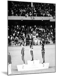 1968 Olympic Games, Mexiko City, Mens 200 M, Tommie Smith, USA, Gold, and J, Carlos, Bronze