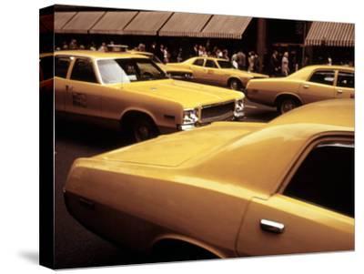 1970s America, Yellow Taxi Cabs on 5th Avenue Near 48th Street. Manhattan, New York City, 1972