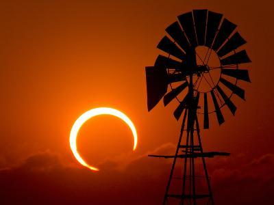 2012 Annular Solar Eclipse-Willoughby Owen-Photographic Print