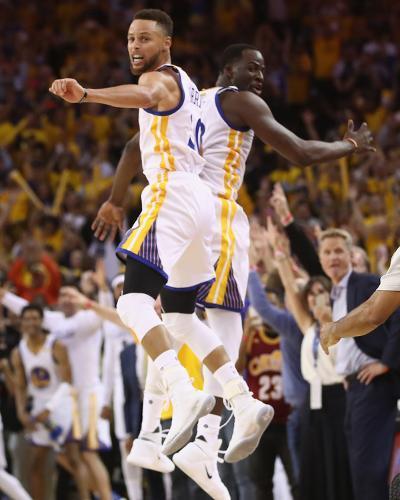 2017 NBA Finals - Game Five-Ezra Shaw-Photo