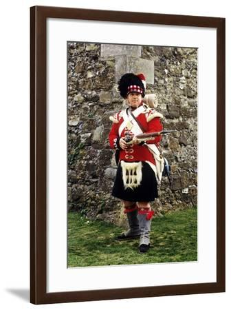 42nd Royal Highland Regiment, 1815, Private Soldier, Fixed Bayonet, Re-Enactment--Framed Giclee Print