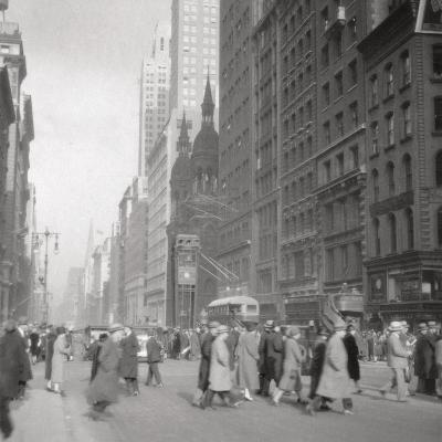 5th Avenue, New York City, USA, 20th Century-J Dearden Holmes-Photographic Print