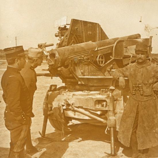 75 automatic anti-aircraft gun, c1914-c1918-Unknown-Photographic Print