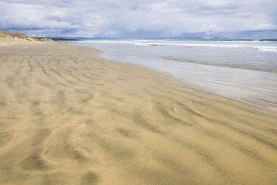 https://imgc.artprintimages.com/img/print/90-mile-beach-northland-north-island-new-zealand-pacific_u-l-q12qt5m0.jpg?p=0