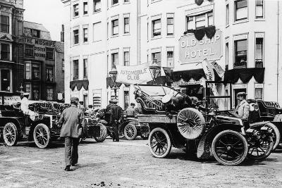 A 1903 Renault 10Hp Outside the Old Ship Hotel, Brighton, East Sussex, C1903--Photographic Print