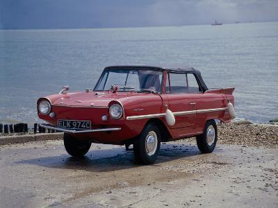 A 1965 Amphicar at the Water's Edge--Photographic Print