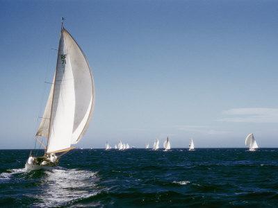 https://imgc.artprintimages.com/img/print/a-35-foot-sailing-sloop-is-seen-from-behind_u-l-p3l3d20.jpg?p=0