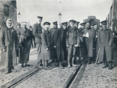A batch of Neuve Chapelle wounded on a French railway station, 1915-Unknown-Framed Photographic Print