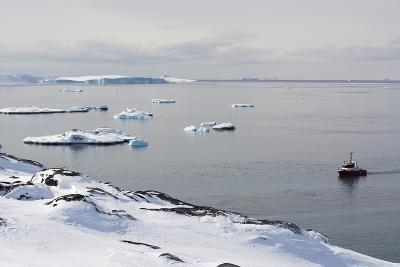 A Bay Near Ilulissat, Greenland, Denmark, Polar Regions-Sergio Pitamitz-Photographic Print