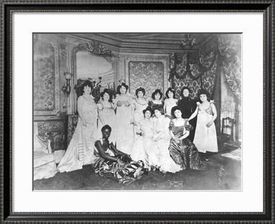 "France 4/""x6/"" Black//White Reprint Photograph 1940 WW2 BROTHEL in Paris"