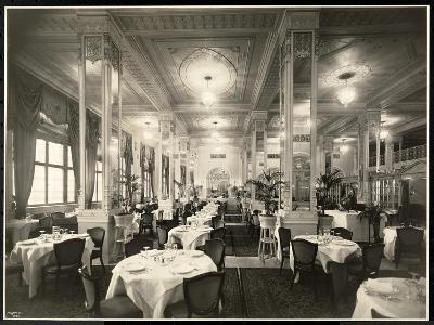 A Dining Room at the Robert Treat Hotel, Newark, New Jersey, 1916-Byron Company-Giclee Print