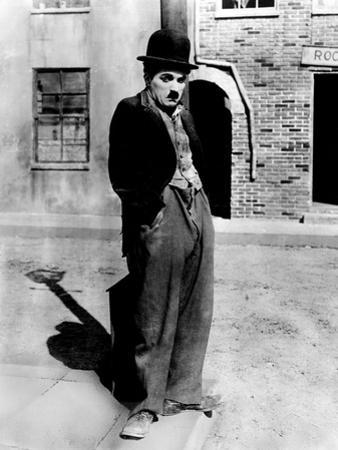 A Dog 's Life by and with Charlie Chaplin (The Tramp), 1918