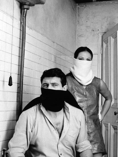 A Fine Pair, 1969 (Ruba Al Prossimo Tuo)--Photographic Print