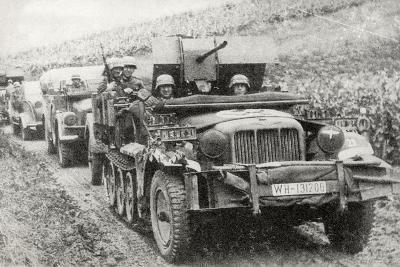 A German Half-Track Mounted Anti-Aircraft Gun--Photographic Print