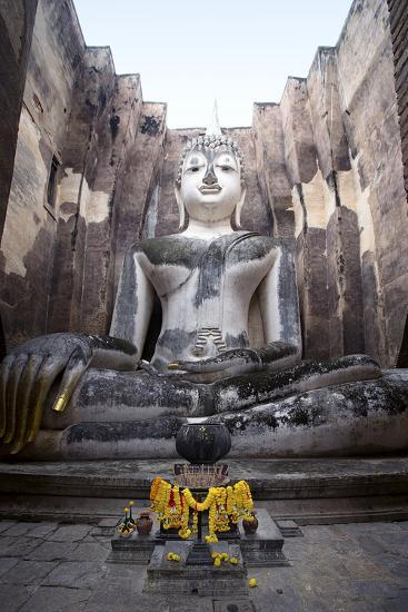 A Giant Sukhothai Era Sitting Buddha, Wat Si Chum, Sukhothai Historical Park, Thailand-Alex Robinson-Photographic Print