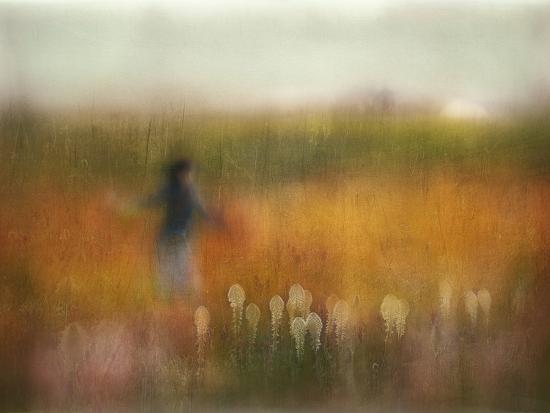 A Girl and Bear Grass-Shenshen Dou-Photographic Print