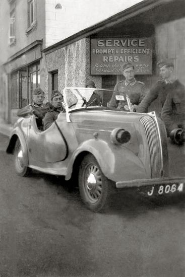 A Group of German Soldiers with a Standard Eight Car with a License Plate of Jersey--Photographic Print
